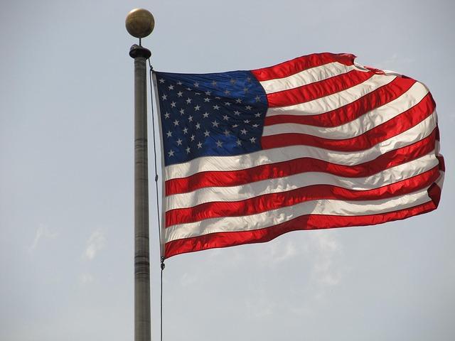 american-flag-378140_640