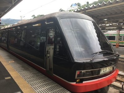 伊豆急行のリゾート21EX(通称:黒船電車)